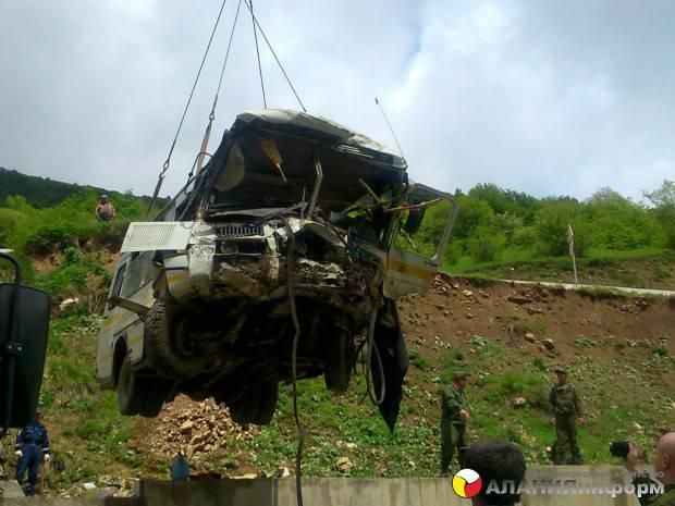 Seis militares russos morreram na Ossétia do Sul como resultado da queda do ônibus no abismo