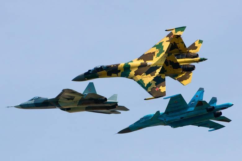 """अमेरिकी एडमिरल: रूसी संघ और चीन """"कुछ मामलों में पहले से ही हमसे आगे हैं।"""""""
