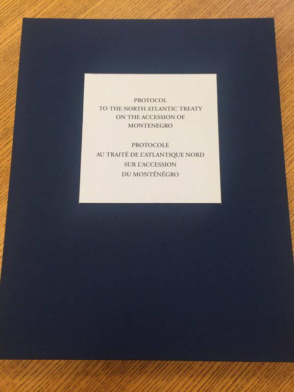 Protocolo sobre la adhesión de Montenegro a la OTAN firmado en Bruselas.