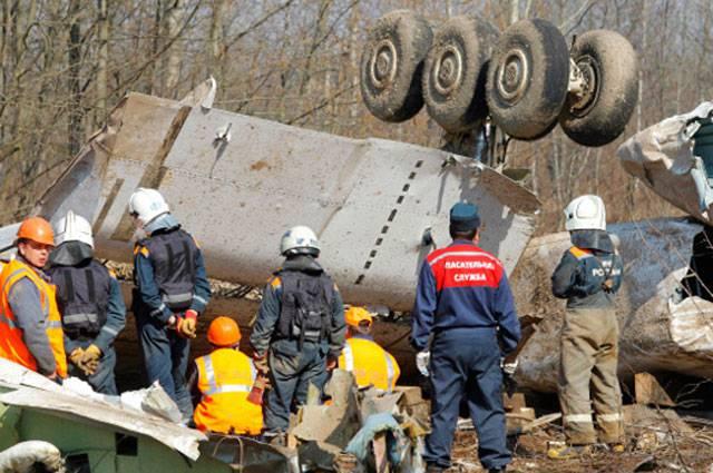 ポーランドは、スモレンスク近くでの墜落事故の調査に役立つはずの、Tu-154のより小さなコピーを作成するでしょう。
