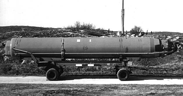 D-9P rocket complex with a P-29P ballistic missile