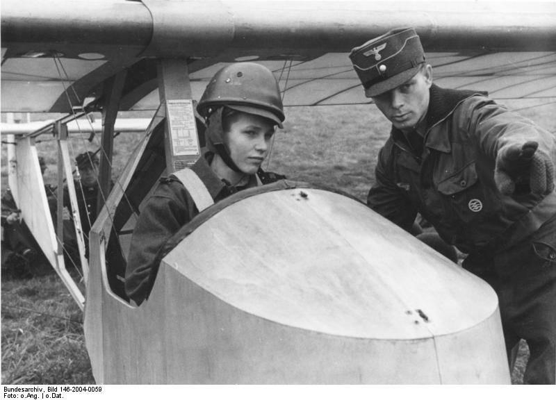 """La gioventù di Hitler come fornitore di """"ingranaggi"""" per il regime nazista"""
