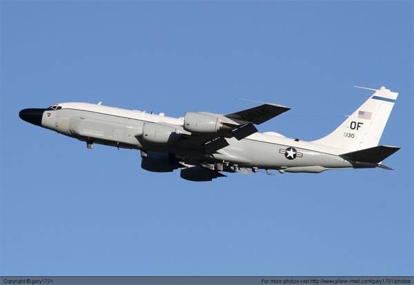 """El Pentágono declaró que el RC-135 llevó a cabo un """"vuelo de reconocimiento de rutina"""" sobre el Mar de Japón, y que las afirmaciones de Rusia no fueron verificadas"""