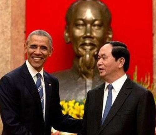 Obama en Vietnam ofrece armas americanas.
