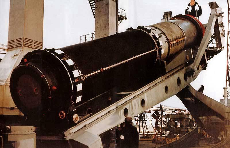 P-19 बैलिस्टिक मिसाइल के साथ D-39 रॉकेट कॉम्प्लेक्स