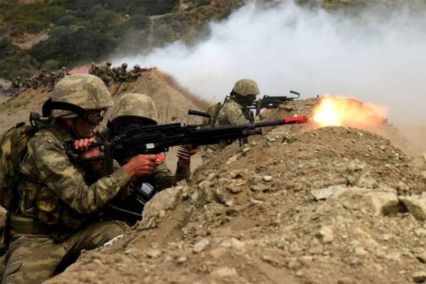 Azerbaijani soldiers take part in Efes-2016 exercises in Turkish Izmir