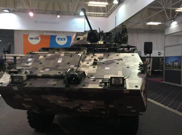 Na Eslováquia, apresentou um protótipo de um veículo blindado Corsac