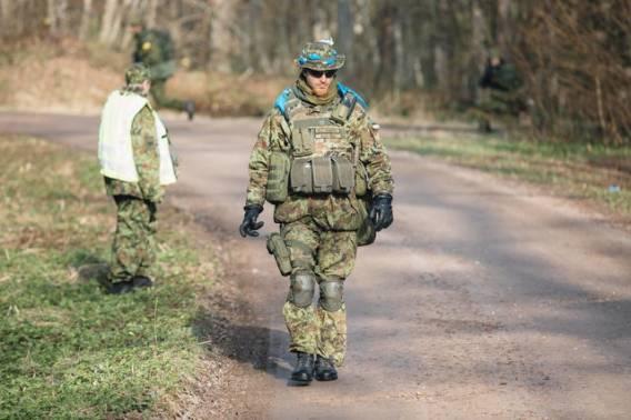 Danimarkalı memurlar tarafından Estonya'da başlatılan Sabre Knight egzersizleri