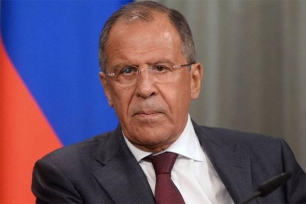Der russische Außenminister Sergej Lawrow versuchte zu erklären, warum Russland die Unabhängigkeit des DNI und des LC nicht anerkennt