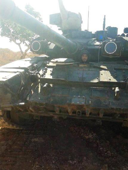 """叙利亚""""沙漠猎鹰队""""用榴弹炮D-90获得了T-30和KamAZ"""