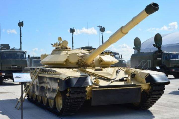 Il kazako ha modernizzato T-72 su KADEX 2016