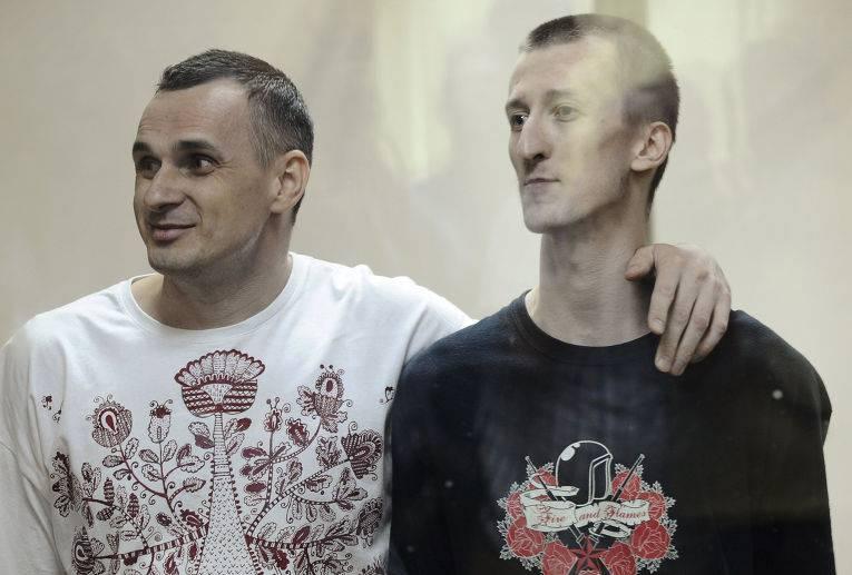 키예프는 러시아 법원의 거부로 인하여 Sentsov와 Kolchenko의 형을 재고하고 Crimea의 테러 활동으로 유죄 판결을 받았다.