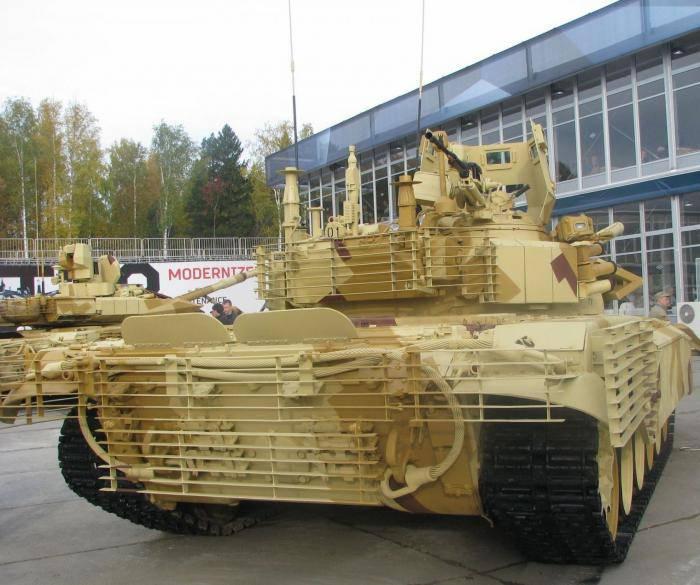 「Uralvagonzavod」は、海外での路上戦のためのT-72タンクのバージョンを発表しました。