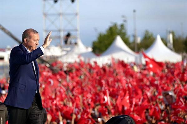 Erdogan, niant le génocide arménien dans l'empire ottoman, a accusé l'Allemagne et la France du génocide des peuples d'Afrique