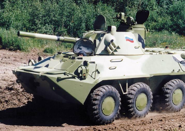 Treinamento complexo com baterias de artilharia de infantaria marítima automotoras começou no Distrito Militar do Sul