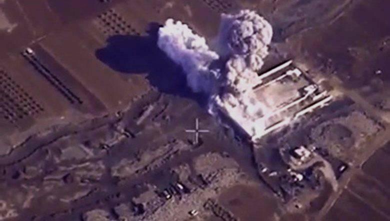 L'aviation russe en Syrie a détruit des installations 4 associées à l'activité pétrolière de l'IG