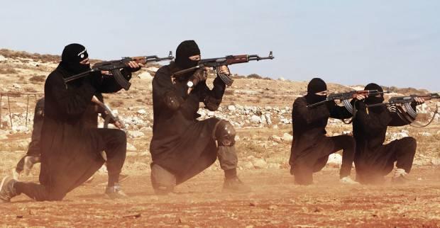 Exército sírio lidera ofensiva no nordeste da província de Homs contra as posições de defesa dos combatentes do ISIS