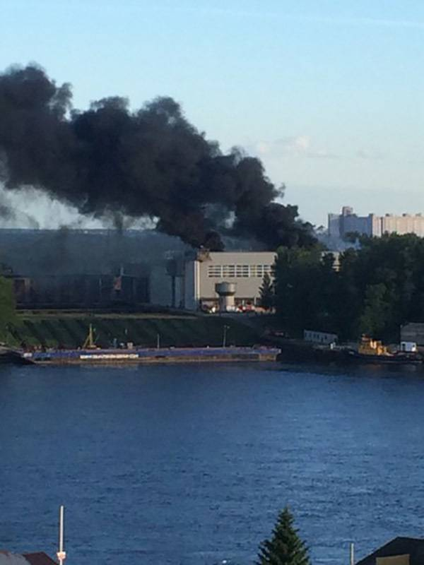 Fire on the minesweeper Georgy Kurbatov, being built in St. Petersburg, put out