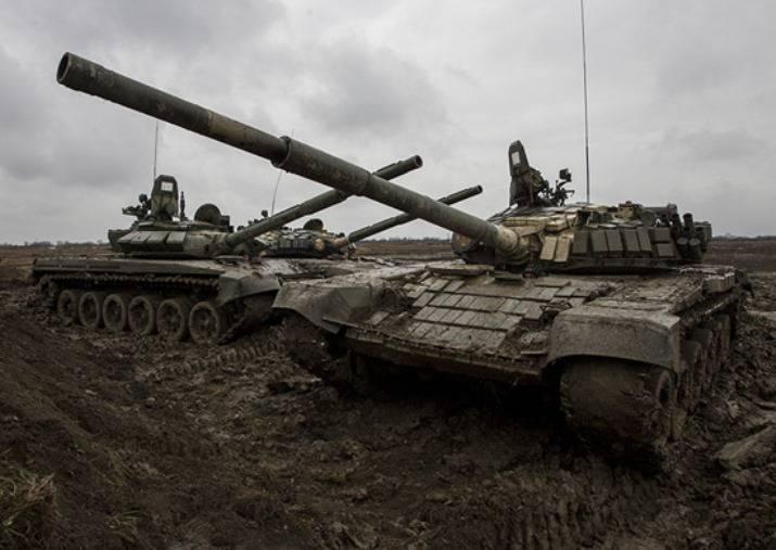 O principal armamento da divisão de tanques sendo formada perto de Chelyabinsk será o T-72 atualizado.