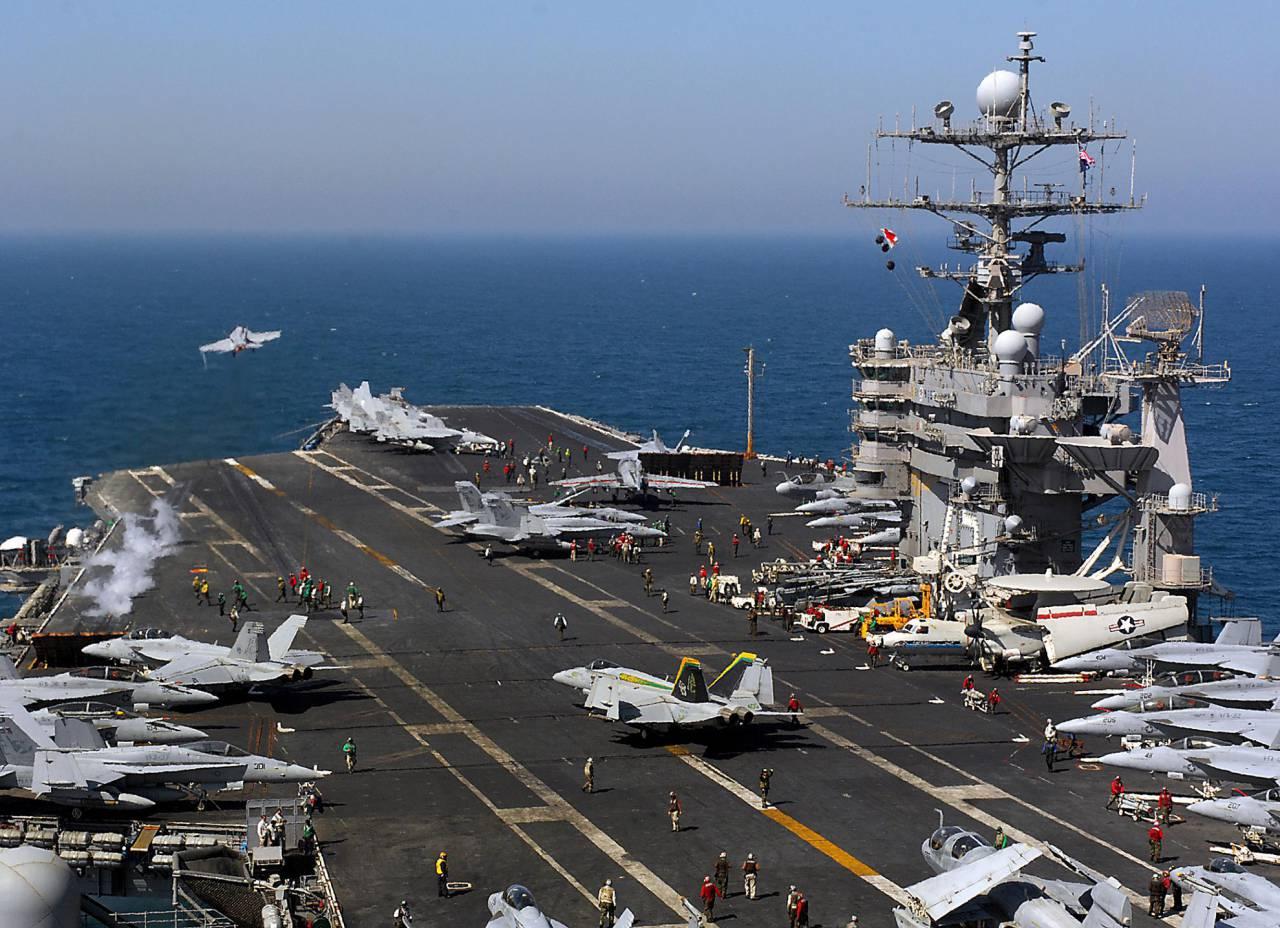 столицы фото военных кораблей и самолетов россии своеобразное строение