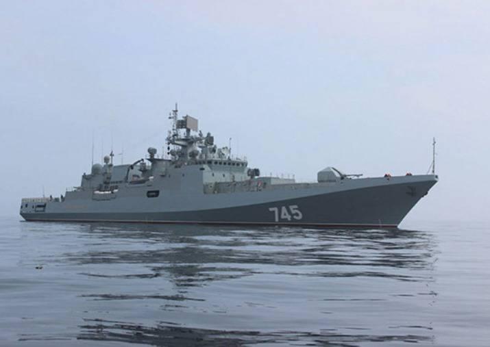 """""""海军上将格里戈罗维奇""""抵达黑海舰队的主要基地"""