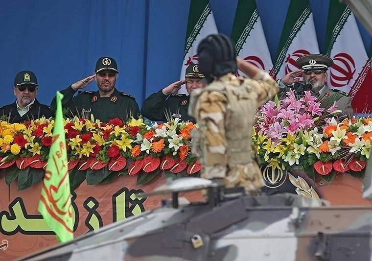 Medya: İran, askeri ihtiyaçlar için ABD'den 1,7 milyar dolar harcadı