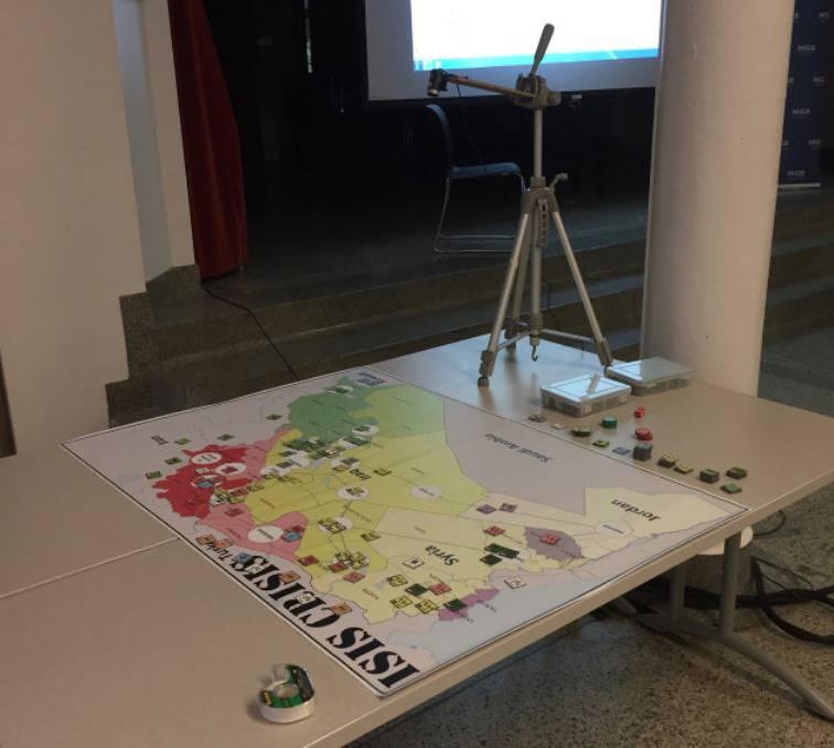 Bir tahta oyunu yardımıyla IG'ye karşı savaşmak için Kanada ordusuna öğretilecek