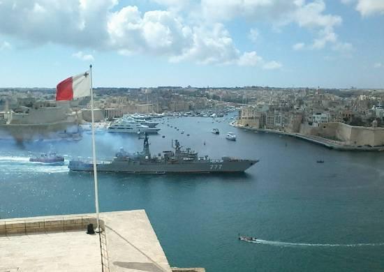 """La garde civile """"Yaroslav le Sage"""" a reconstitué ses stocks dans le port de La Valetta (Malte)"""