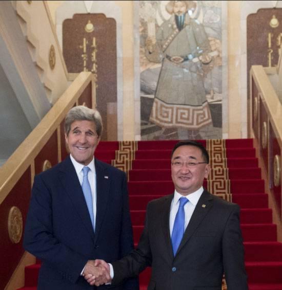 """Les Etats-Unis tentent d'ouvrir un """"front mongol""""? À propos de la visite de Kerry à Oulan-Bator et des déclarations sur le """"quartier dangereux"""" de la Mongolie"""