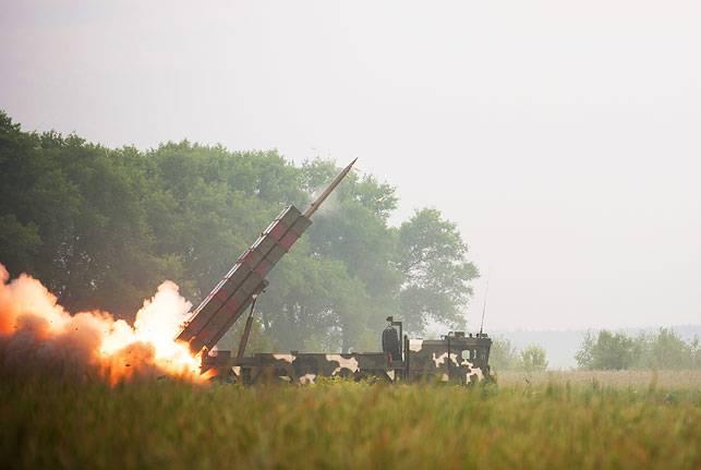 """गोमेल क्षेत्र (बेलारूस) में MLRS """"पोलोनेस"""" का परीक्षण किया गया"""
