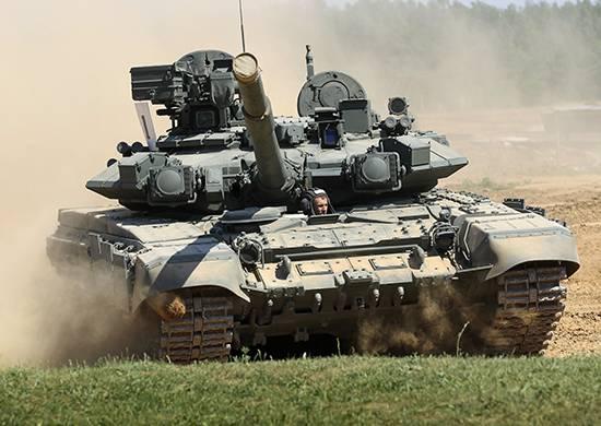 Учения с экипажами танков Т-90А в Краснодарском крае