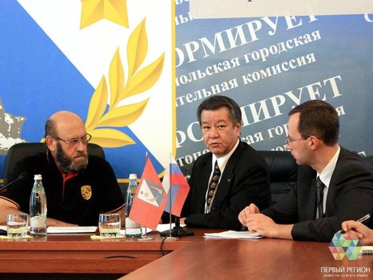 Западные политики хотят признать Крым и требуют отмены санкций