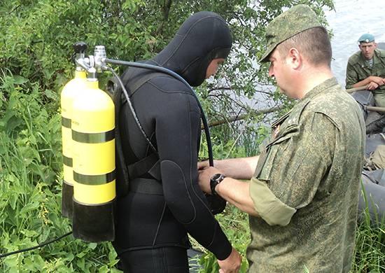 Рязанские десантники пробуют себя в качестве водолазов