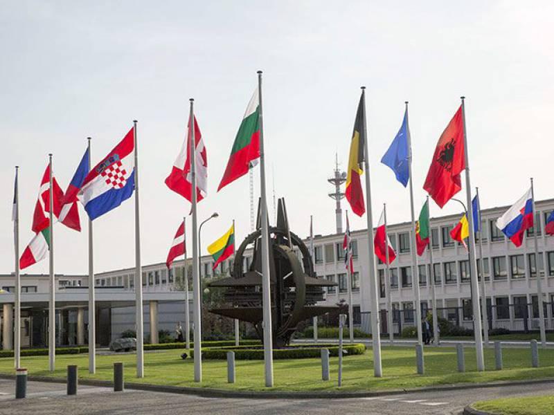 """Белый дом: """"НАТО - это оборонительный альянс"""""""