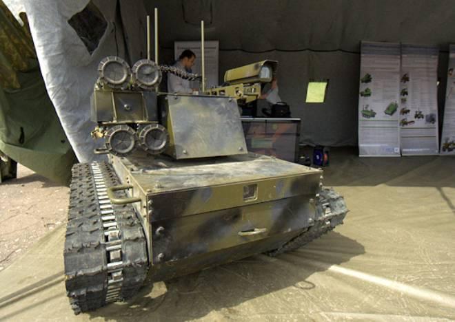 Испытания боевых роботов (видео)