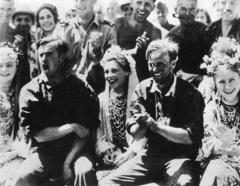 Наци любили варьете на Украине