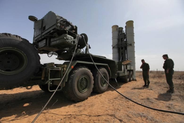 В текущем году в войска поступят 6 полковых комплектов С-400