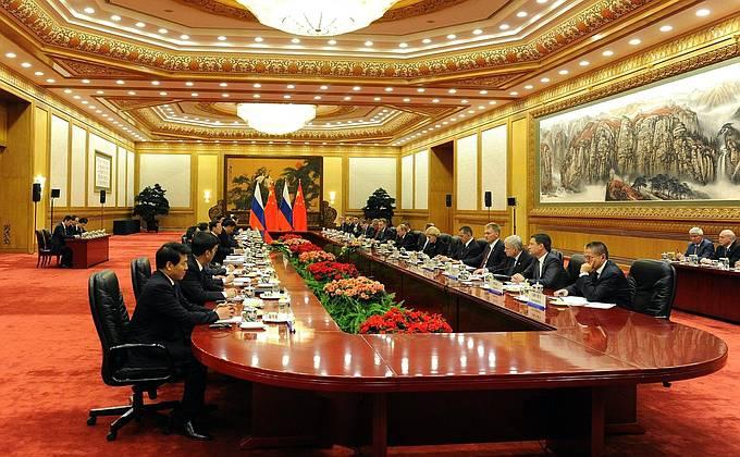 О визите Владимира Путина в Китай, или Нелёгкое партнёрство за широкими улыбками