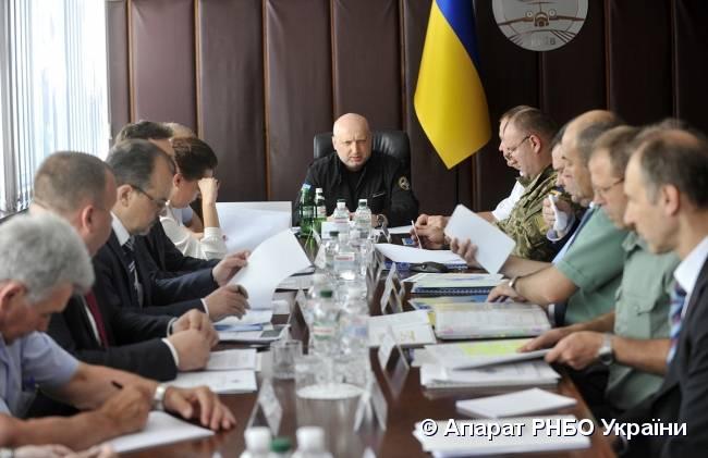 トゥルチノフは、ロシアは「ウクライナの憲法と防衛に歯を折るだろう」と述べた