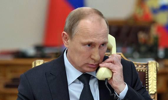 Пресс-служба Кремля сообщает о том, что в среду состоится телефонный разговор президентов России и Турции