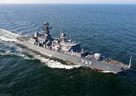"""Американский эсминец """"Грейвли"""" опасно приблизился к российскому сторожевику """"Ярослав Мудрый"""" в акватории Средиземного моря"""