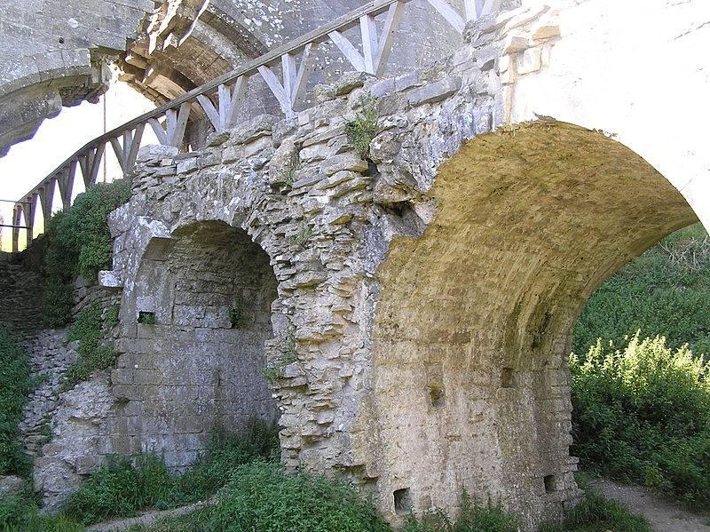 Руины замка Корф
