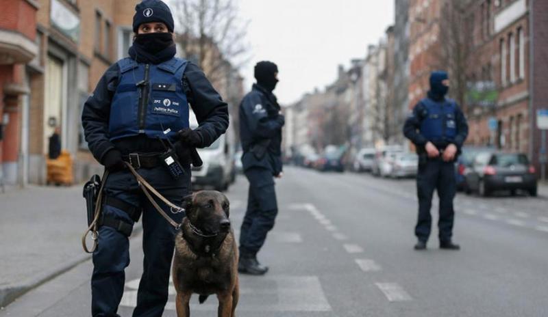 Figura 8. Polícia belga prepara-se para repelir ameaças terroristas