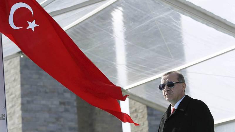 Коварство и любовь. Чего хочет Эрдоган?
