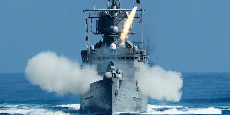 """В ВМС Тайваня заявили об """"ошибочном"""" пуске ракеты в сторону КНР"""