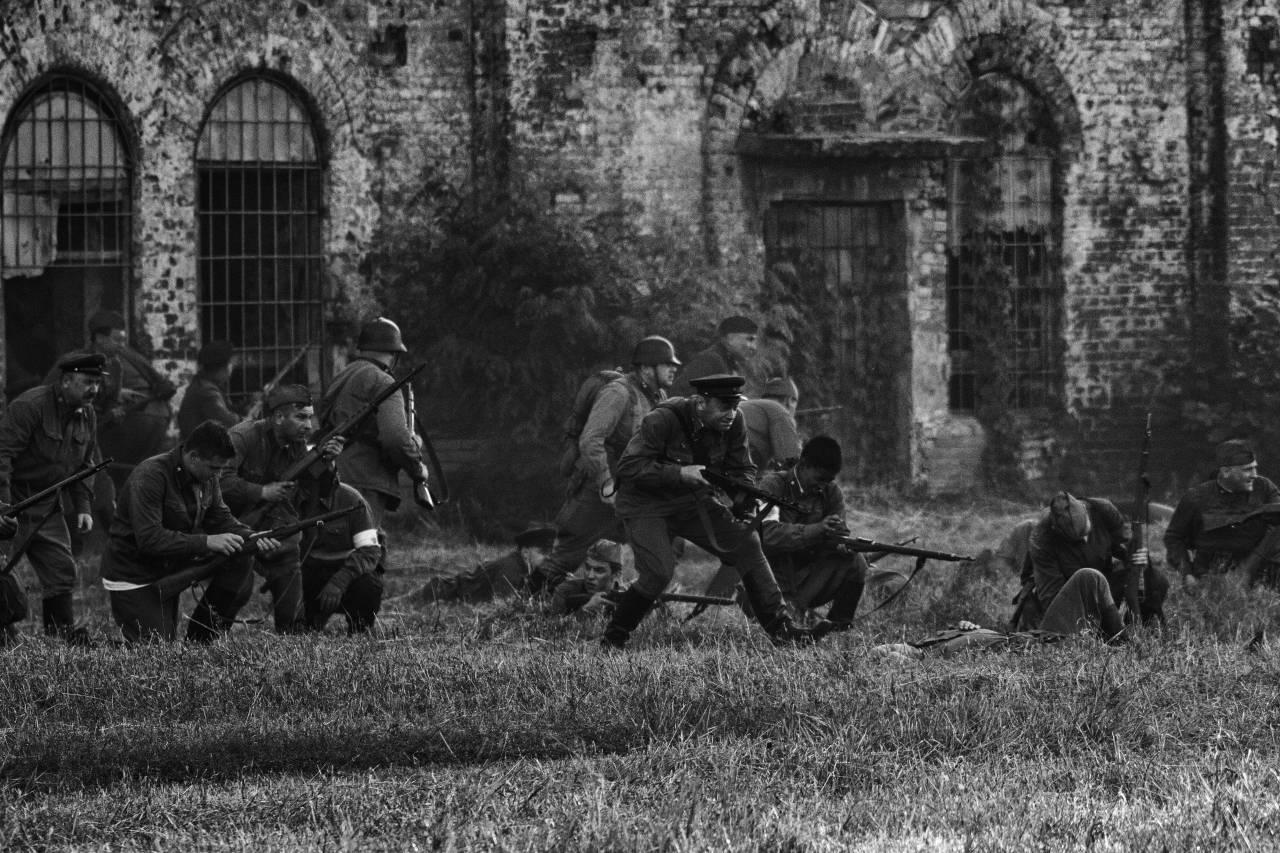 фото военной хроники взятой цитадель острова