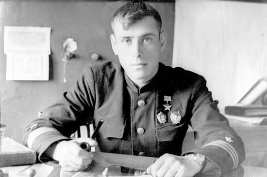 Герой Советского Союза контр-адмирал Сергей Александрович Осипов