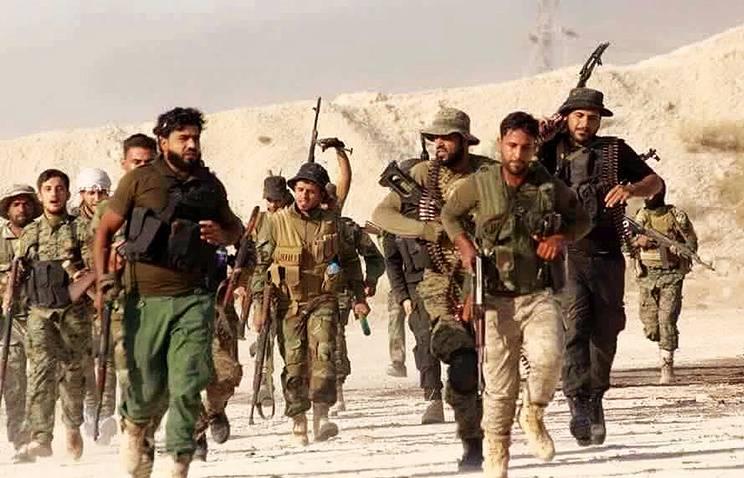 СМИ: оставленные без поддержки американской авиации формирования сирийской оппозиции были сразу же отброшены назад боевиками ИГ