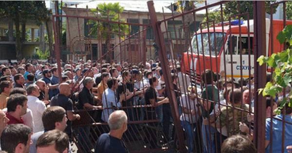 Очередная политическая лихорадка в Абхазии