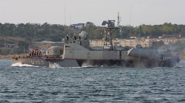 """Командир украинского """"Азова"""" о ВМС Украины: Этот потешный флот будет потоплен за 40 минут"""